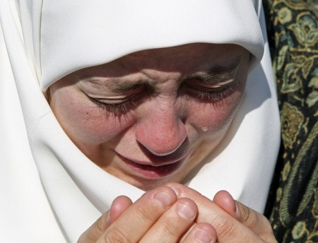 Muslim Girl Crying 13
